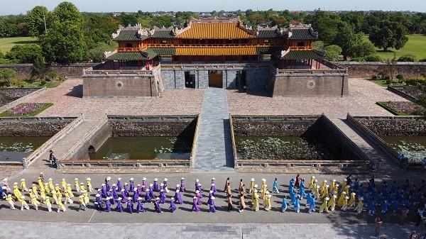"""承天顺化力争成为越南中部""""奥黛之城"""" - ảnh 2"""