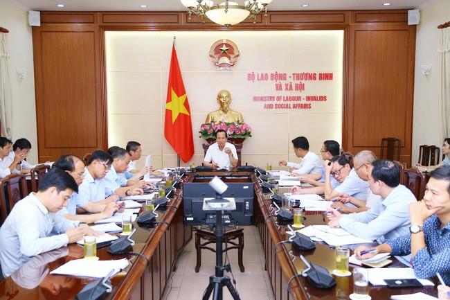 首次全国越南英雄母亲见面会在河内举行 - ảnh 1