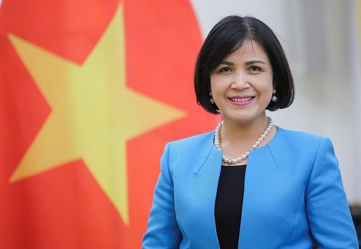 越南常驻日内瓦代表团举行八月革命75周年纪念活动 - ảnh 1