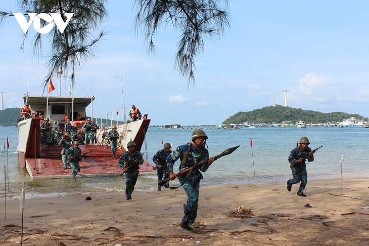 越南人民海军克服困难 捍卫祖国海洋岛屿主权 - ảnh 1