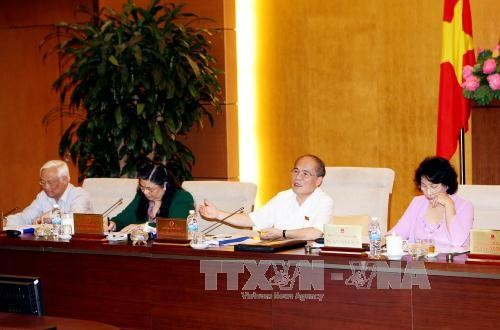 41st session of the 13th NA Standing Committee discuss revised Law on Pharmacy - ảnh 1
