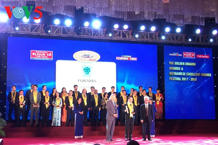 62 business winners of the Golden Dragon Awards and 100 Vietnamese strong brands honored - ảnh 1