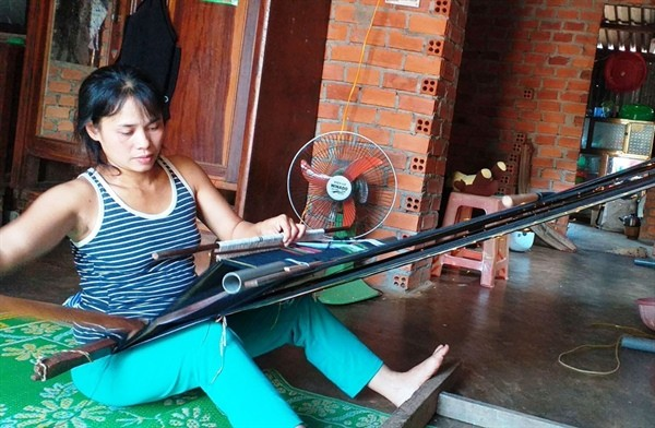 Ede ethnic people preserve traditional brocade weaving craft - ảnh 1