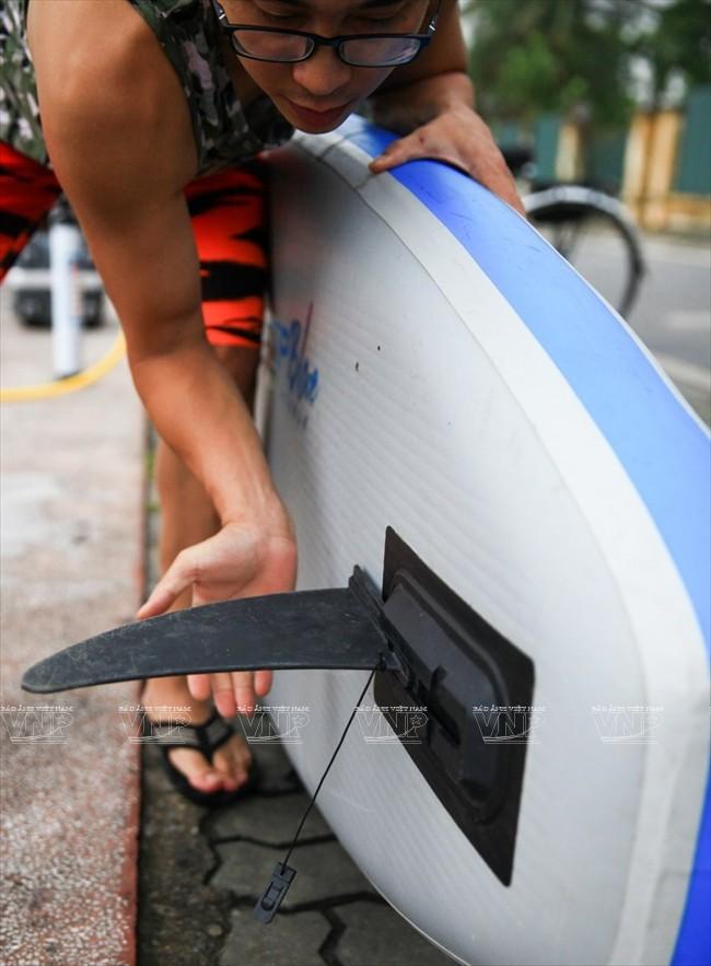 SUP boarding on West Lake  - ảnh 4