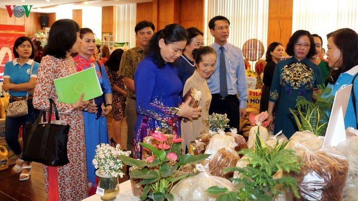 Forum discusses opportunities, challenges faced by women in 4th Industrial Revolution - ảnh 1