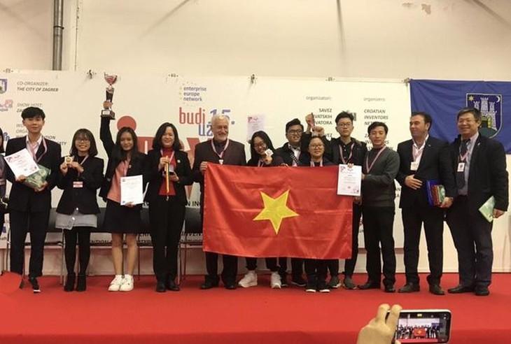 Vietnamese students won prizes at the Inova 2019 - ảnh 1
