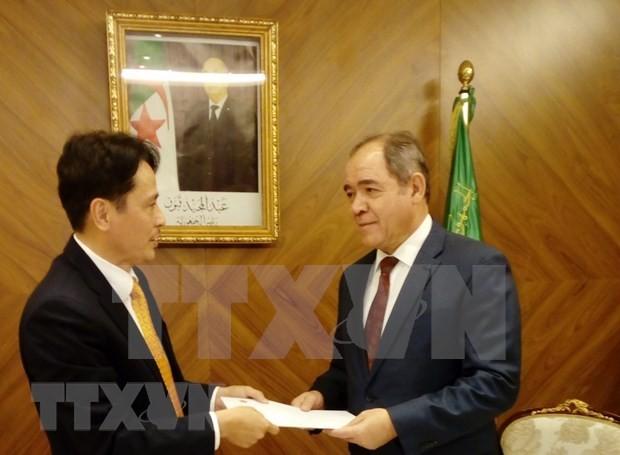 Algerian President praises Vietnam's developmental achiements - ảnh 1