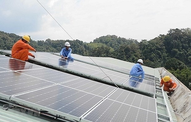 1,000 businesses in HCMC to have solar panels installed - ảnh 1
