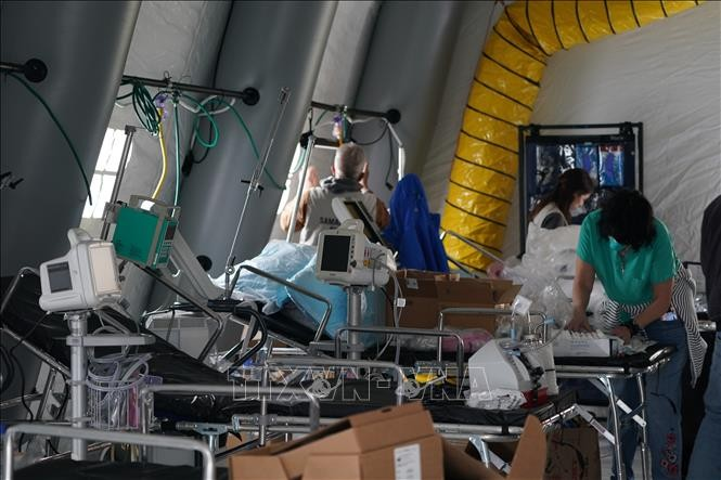 Covid-19: US closes field hospital, Singapore reports hundreds more new cases - ảnh 1