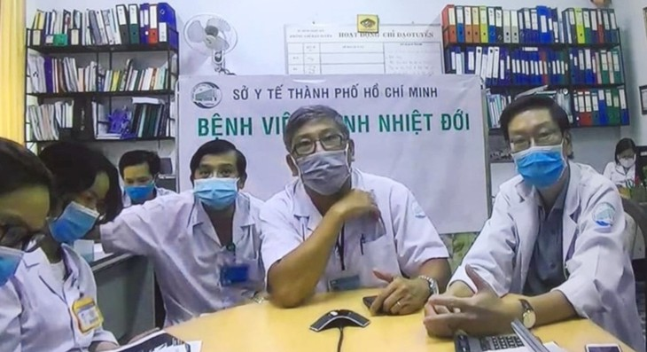 Vietnamese doctors pull out all the stops to save COVID-19 patient 91 - ảnh 2