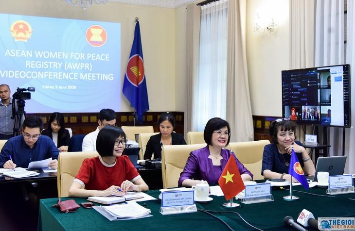 ASEAN Women for Peace convenes online meeting - ảnh 1