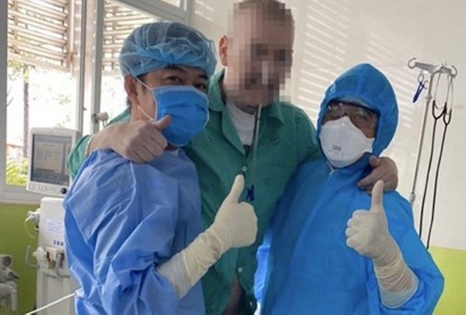 British Covid-19 patient well enough to be released from hospital - ảnh 1