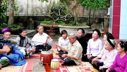 Hung Yen province works to revive Ca trù ceremonial singing - ảnh 1