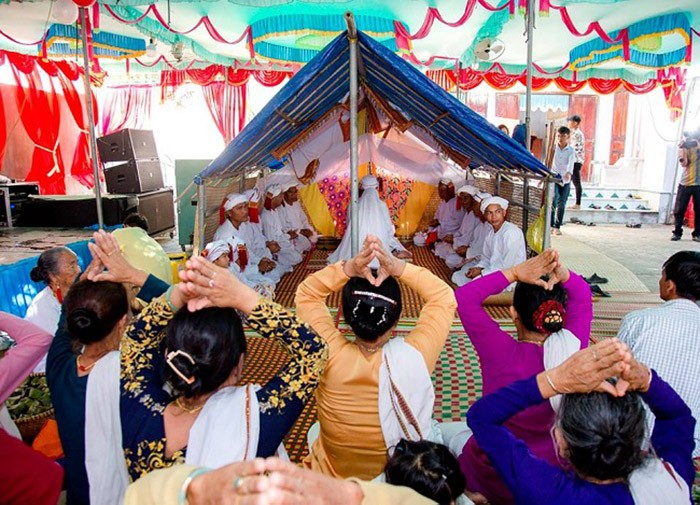 Cham people refine worshipping rituals - ảnh 1