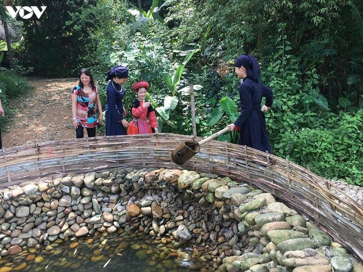 Tay hamlet preserves ethnic culture   - ảnh 2