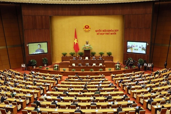 Vietnam exerts efforts to fight COVID-19, develop economy - ảnh 2