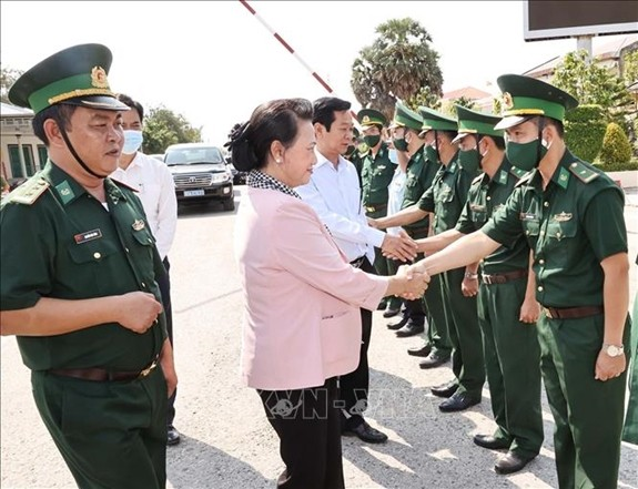 NA Chairwoman works with Kien Giang steering committee for elections - ảnh 2
