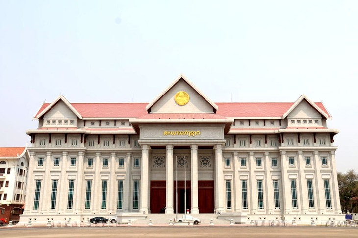 Vietnam-funded National Assembly building handed over to Laos - ảnh 1