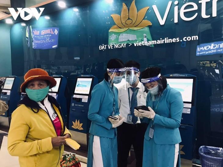 Can COVID-19 vaccine revive tourism in Vietnam? - ảnh 1