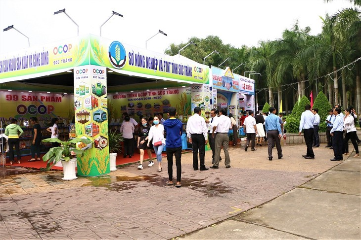 Mekong Delta provinces boost branding of OCOP products - ảnh 2