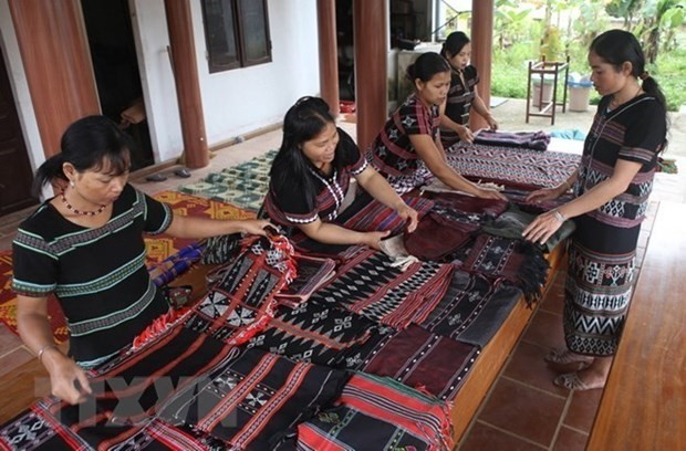 Vietnam gains outstanding achievements in gender equality in ethnic groups - ảnh 1