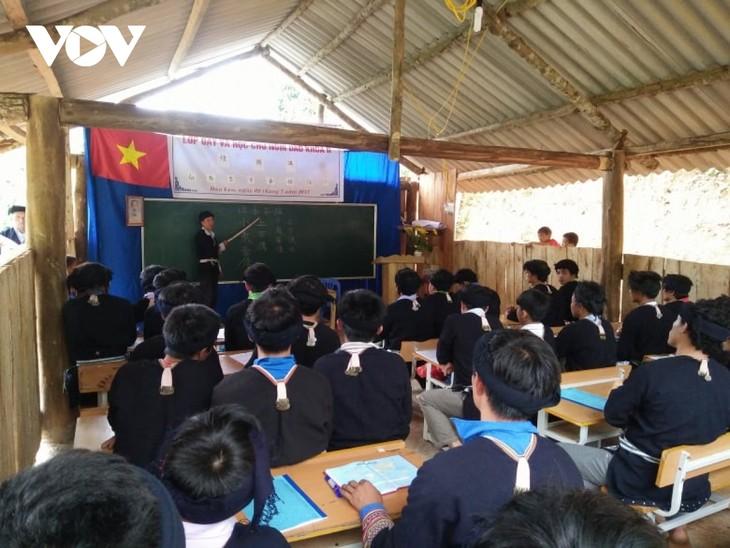 Emeritus artisan devotes to Dao traditional culture - ảnh 2