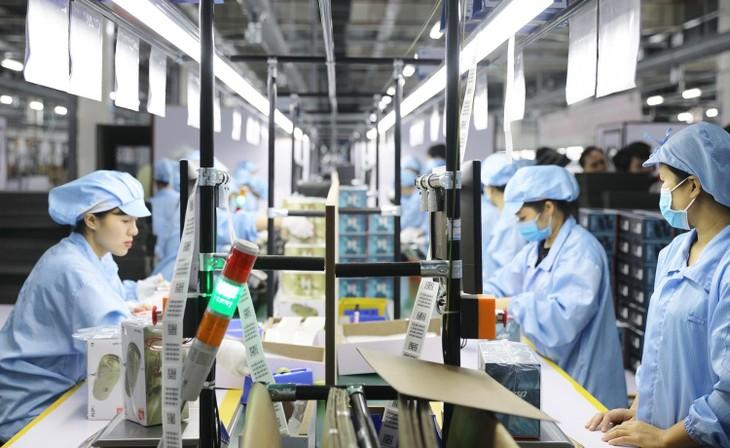 Quang Ninh province maintains industrial production despite COVID-19 pandemic - ảnh 2