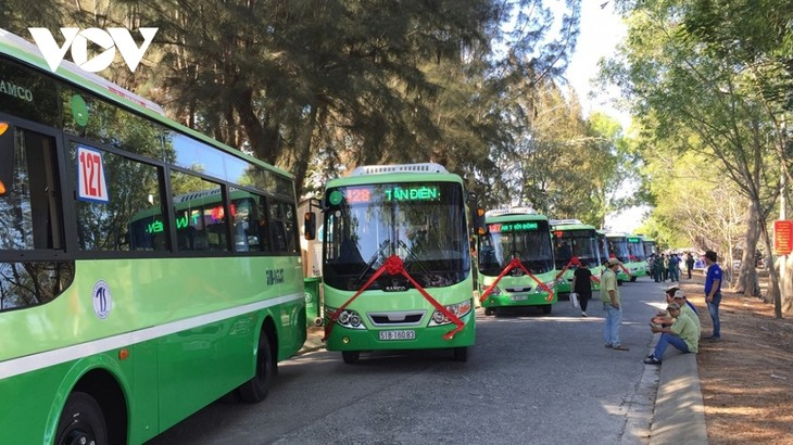 HCM city gradually restores new normal - ảnh 1