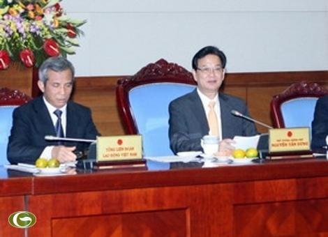 Le Premier Ministre travaille avec la CGT et l'Union des femmes vietnamiennes - ảnh 1