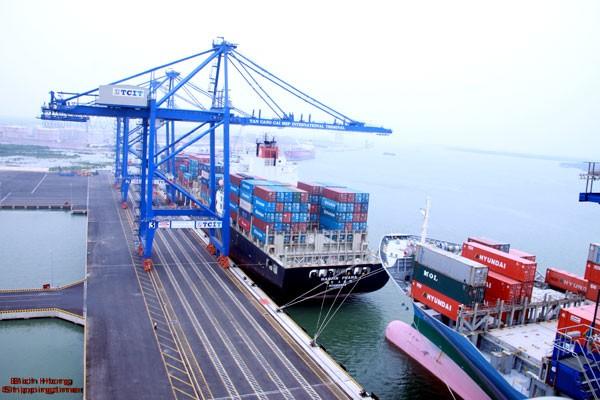 Les ports garantiront le développement durable de l'économie maritime nationale - ảnh 1