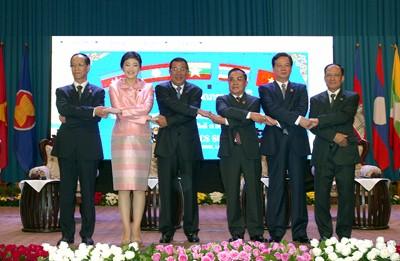 Journée chargée du PM Nguyen Tan Dung au Laos - ảnh 1