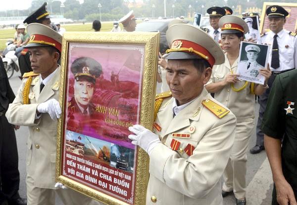 Le général Vo Nguyen Giap dans le coeur des Vietnamiens - ảnh 5