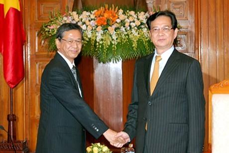 Le Premier Ministre reçoit le nouvel ambassadeur japonais - ảnh 1