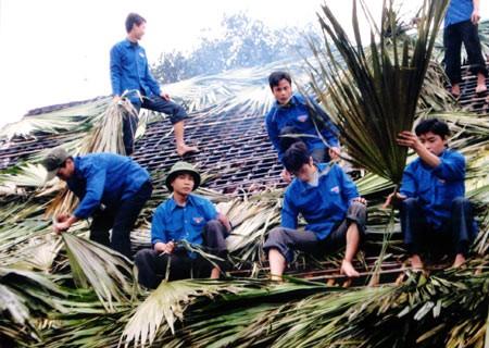 Lam Dong : coup d'envoi de l'année des jeunes volontaires 2014 - ảnh 1