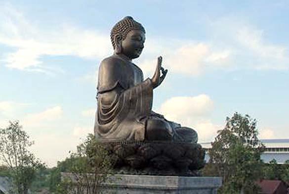 Inauguration de la plus grande statue de Bouddha en cuivre d'Asie du Sud-Est - ảnh 1