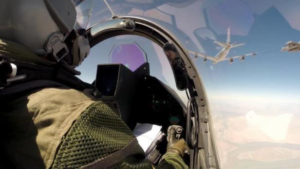 La France frappe en Irak, percée jihadiste dans le nord syrien - ảnh 1