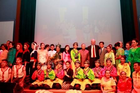 Soirée culturelle de l'ASEAN en Norvège - ảnh 1