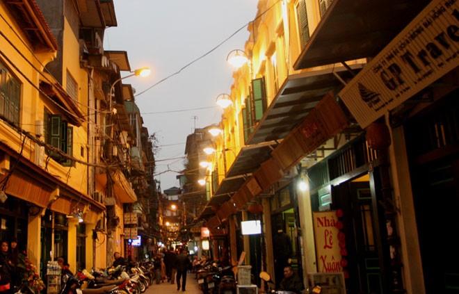 Inauguration de 6 rues piétonnes dans le vieux quartier de Hanoï - ảnh 1