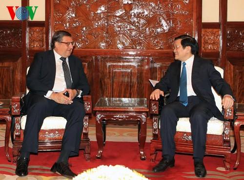 Le président Truong Tan Sang reçoit l'ambassadeur chilien - ảnh 1