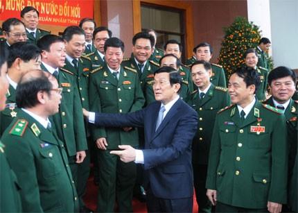 Truong Tan Sang: édifier une armée politiquement puissante, fidèle à la patrie - ảnh 1