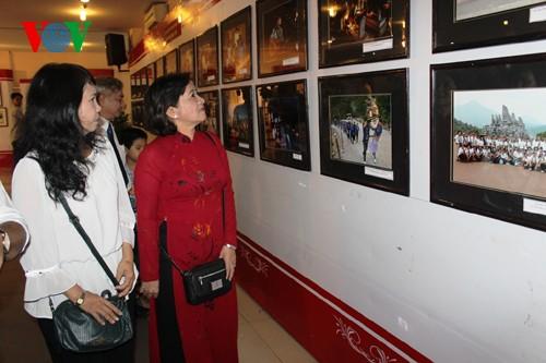 Activités célébrant le  70ème anniversaire de l'Armée populaire vietnamienne - ảnh 2