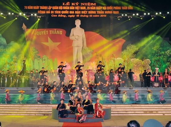 Le président Truong Tan Sang au 70ème anniversaire de l'armée à Cao Bang - ảnh 1