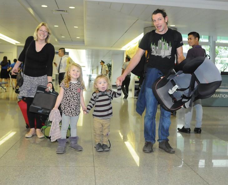 Des milliers de touristes étrangers arrivés au Vietnam au début de 2015 - ảnh 1