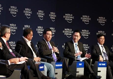 Pham Binh Minh représente le Vietnam à Davos - ảnh 1
