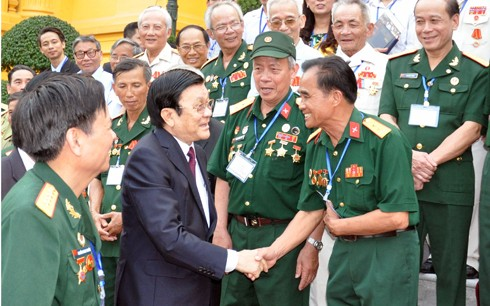 Truong Tân Sang rencontre d'anciens combattants - ảnh 1