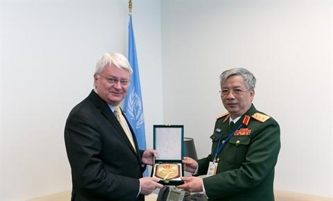 Nguyen Chi Vinh reçoit le secrétaire général adjoint de l'ONU  - ảnh 1