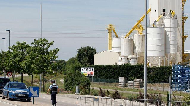 Attentat en Isère: Yassine Salhi refuse de parler aux enquêteurs - ảnh 1