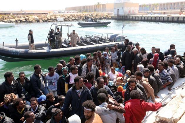 Naufrage au large de la Libye: probablement plus de 200 disparus - ảnh 1