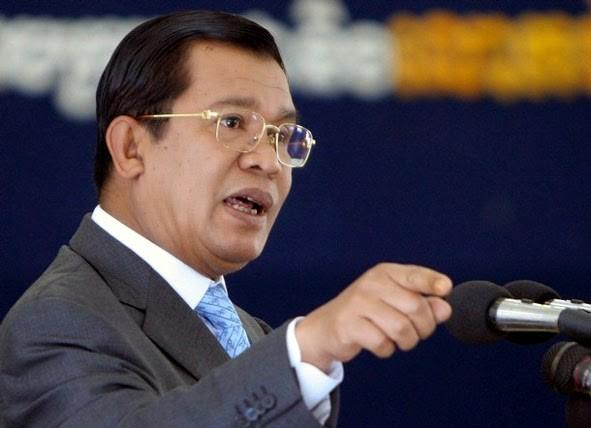 Hun Sen promet de punir ceux qui critiquent la carte de délimitation avec le Vietnam - ảnh 1