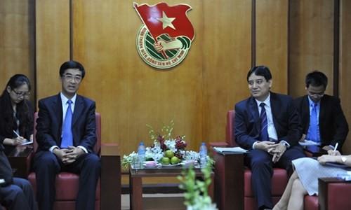 Echanges et rencontres à l'occasion de la visite de Xi Jinping - ảnh 2